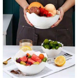 ensaladera blanca con fruta